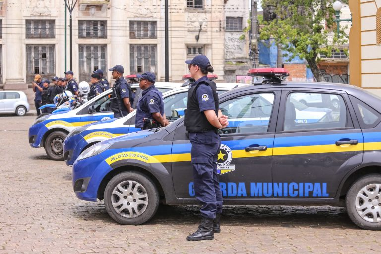 Segurança - policiais - guarda municipal cidades municípios (Pelotas-RS)