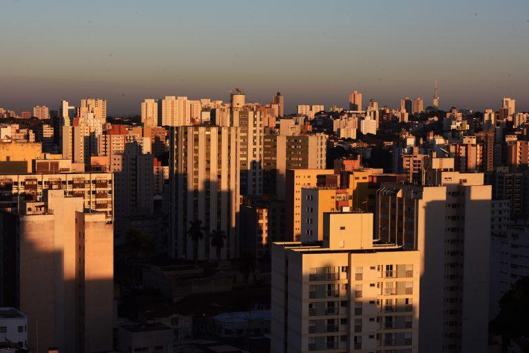 Cidades - geral - municípios FPM imóveis prédios apartamentos desenvolvimento urbano sol radiação solar aquecimento global clima seca (cidade de Campinas-SP)