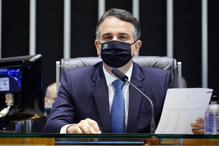 Pacheco preside sessão