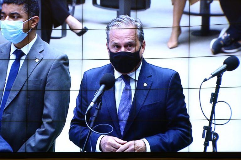 Tadeu Alencar participa de sessão do plenário