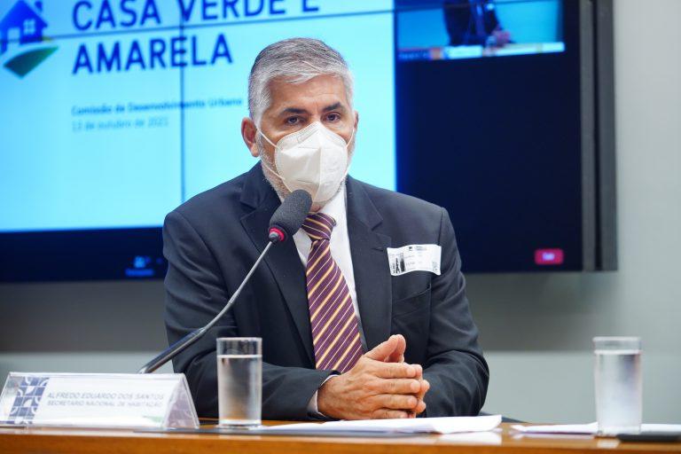 Debater o programa habitacional casa verde e amarela. Secretário Nacional de Habitação, Alfredo Eduardo Dos Santos
