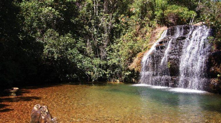 Cachoeira no Parque Estadual Serra de Caldas, em Goiás