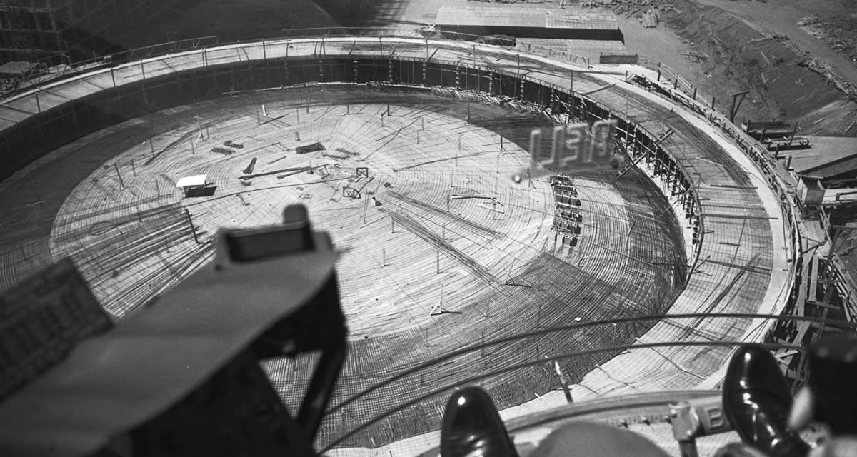 Construção da cúpula da Câmara dos Deputados, onde ficam as galerias do Plenário. Foto: Arquivo Público do DF