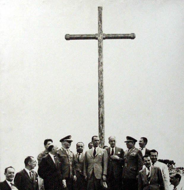 O então presidente Juscelino Kubitschek na primeira foto tirada em Brasília. Foto: Arquivo Público do DF